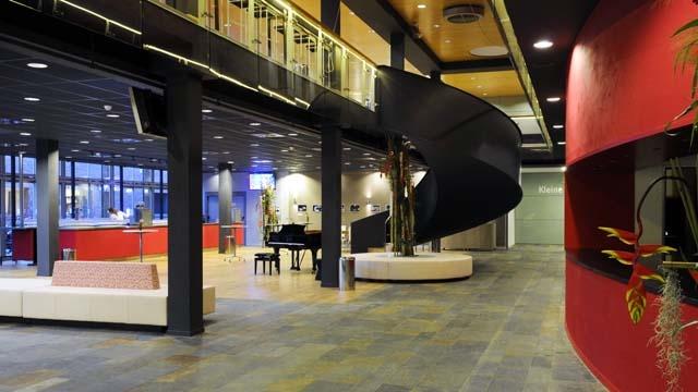 Foyer TAQA Theater De Vest