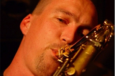 Mark &amp; Jaap (basgitaar + saxofoon) thumbnail